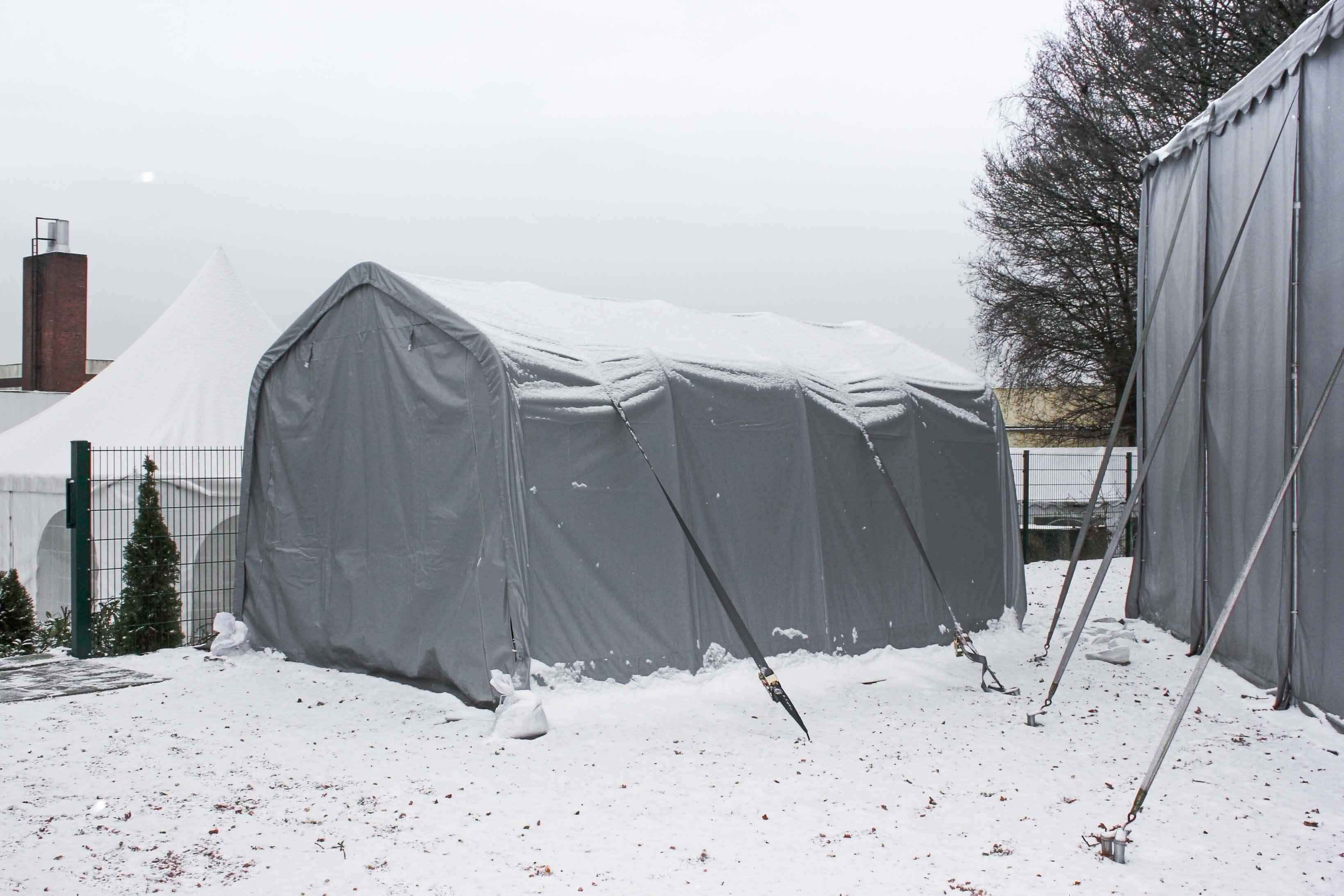 Sturmsicherung für Lagerzelt