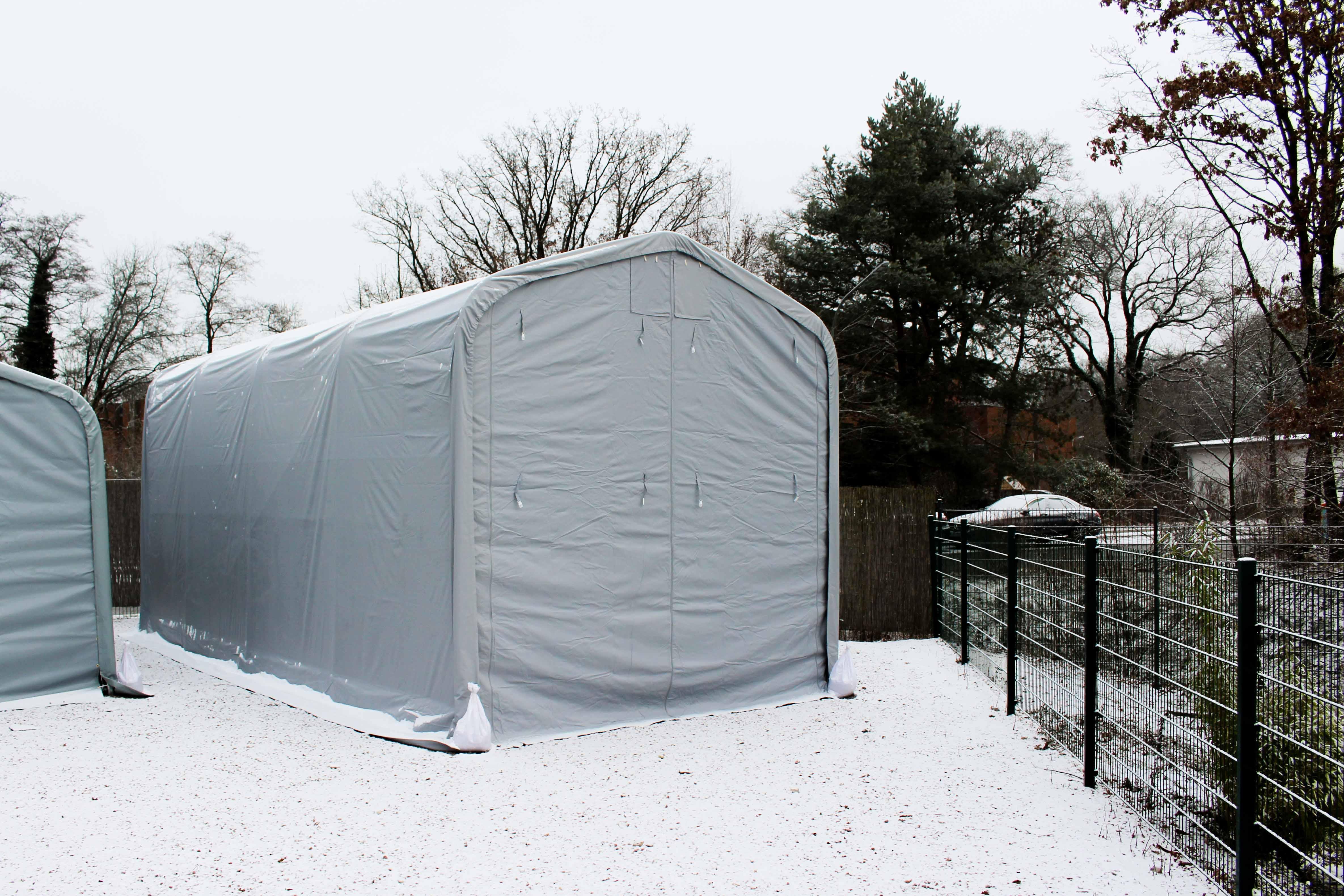 Lagerzelt bei Schnee