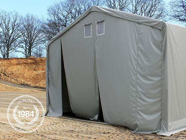 Zelthalle in einer Baugrube