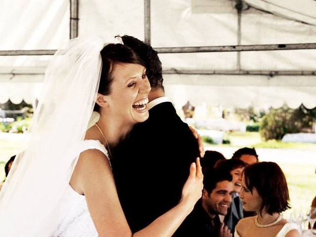 In einem Hochzeitszelt feiern Sie Ihre Hochzeit da, wo Sie möchten