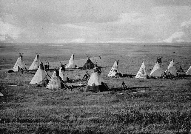 Zeltlager der Indianer aus vielen Tipis.