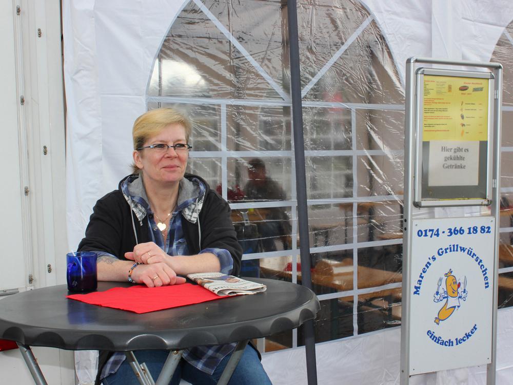 Imbisswagen mit Zelt