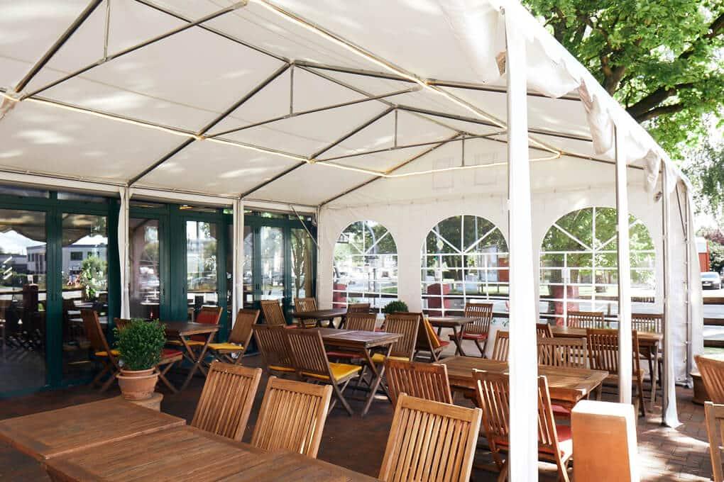 Partyzelt als ideales Gastro-Zelt für die Aussengastronomie
