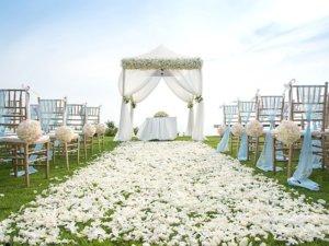 Freie Trauung unter dem Gartenpavillon - einfach romantisch!