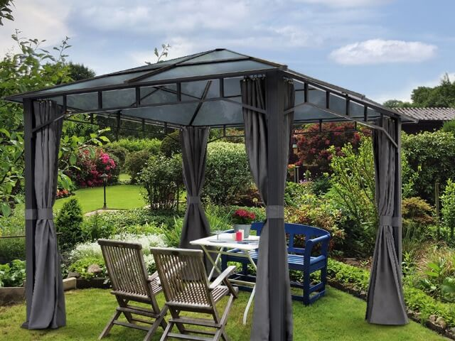 Erholung im Schrebergarten dank eines Gartenpavillons