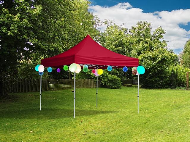 Faltpavillons als wetterfeste Lösung auf Kindergeburtstagen im Garten