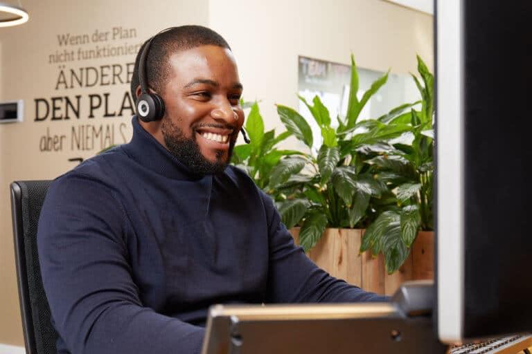 Rufen Sie den Profizelt24 Experten-Kundenservice an und lassen Sie sich persönlich beraten