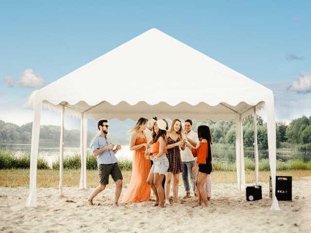 Das Firmen-Sommerfest im Partyzelt stattfinden lassen